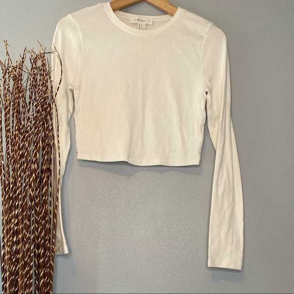 Forever 21 Tops - Forever 21 Long Sleeve Crop Top